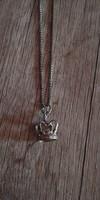 Csodás ezüst nyaklánc korona medállal 925-ös