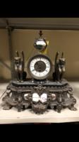 Gyönyörű asztali óra eladó