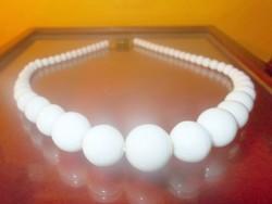 Fehér Jade növekvő Gyöngysor Nyaklánc