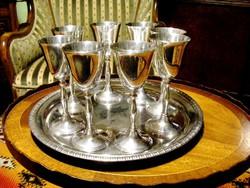 Egy tálca gyönyörű ezüstözött ünnepi pohár, 8 db jelzett boros vagy pezsgős kehely, kb. 1,5 dl-esek