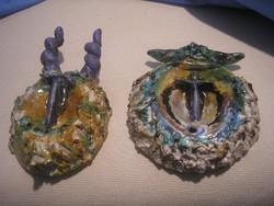 N15 Busók fali zsűrizett kerámiák Szilágyi jelzéssel iparművész majolika mázas címkével