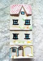 Házikó alakú kerámia párologtató