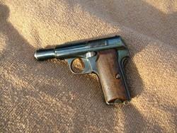 Német tiszti pisztoly