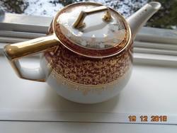 Arany brokát mintákkal,mitologikus jelenettel antik Altwien jellegű teakiöntő.