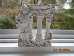 1879-1886 Grafenthal DEP számozott figurális váza,mélázó fiú antik oszlopoknál