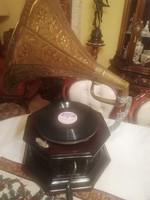 Gyönyörű, antik gramofon eladó!