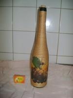 Madzaggal bevont, szőlő mintás boros üveg - ajándéknak
