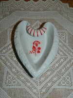 Zsolnay szív alakú hamutál.