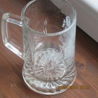 15 cm -es címeres üveg korsó eladó