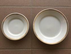 Zsolnay aranyozott szegélyű tányér 2 db.