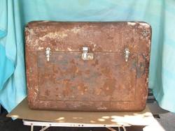Oldtimer járműre csomagtartó box