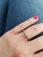 Fehérarany brill eljegyzési gyűrű cca. 0,15ct eladó