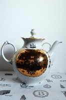 Antik teáskanna, kiöntő