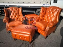 Gyönyörű chesterfield,Queen Anne stílusú,füles,valódi bőr fotelek+lábtartó+asztal!
