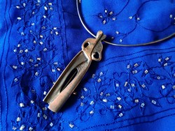 Phyllis Mendell ezüst medál-bross, ezüst nyakpánton
