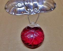 Nagyméretű faragott vörös kvarc ezüstmedál és lánc