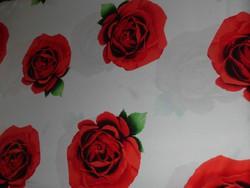 Nagyon szép piros rózsás  ágynemű.II.100% pamut.