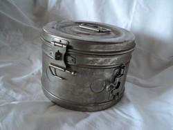 Régi orvosi sterilizáló doboz