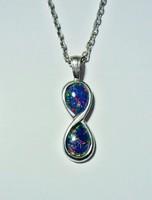 Ezüst medál, ezüst lánccal, Ausztrál fekete opál kővel
