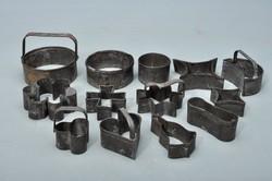 Antik cukrászati eszköz csomag, 13 darab, sütemény szaggató, tészta forma.