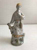 Porcelán női alak 24 cm magas