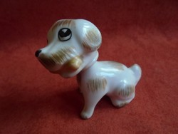 Aquincumi porcelán bólogatós kutya figura