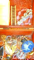 Ékszertartó Ládikában  Bizsu Csomag Vegyes! (4)