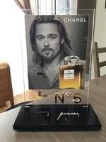 Eeredeti Chanel parfüm állvány plexi üvegből
