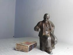 Fém Lenin szobor