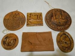 Régi terrakotta faliképek egyben, terrakotta fali emlék plakettek, 1980-1995
