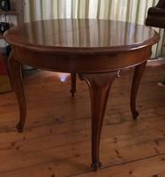 Kinyitható vendéglapos barokk asztal