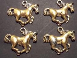 Ló lovacskás fém medál