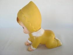 Retro játék gumifigura mászó baba