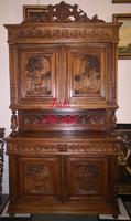 Gyönyörű antik reneszánsz stílusú tálalószekrény!