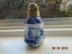 19.sz.sószóró nagyon gazdag kobaltkék Meisseni kék hagyma mintákkal,alpaka fejjel-9,5 cm