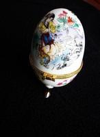 Gyönyörűen festett ékszertartó tojás