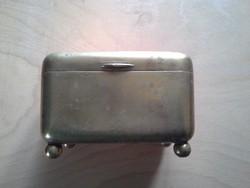 Nagyon régi fém doboz