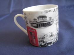Porcelán kávés csésze