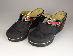 0V544 Hímzett Gucci platform papucscipő