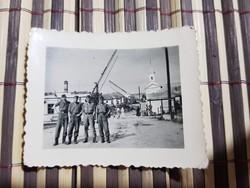 Ww2 2Vh Hernádtihany vasútállomás előtti katonai csoportkép 7x5,5 cm