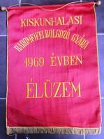 Retro szocreál zászló,Kiskunhalas MT-Szot elnökség anyaga hímzett selyem,63,5x47 cm