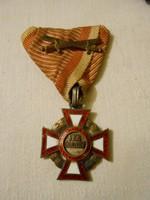 VERDIENST Katonai Érdemkereszt 3. osztály, hadidíszítménnyel és kardokkal