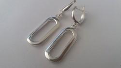 Modern ezüst fülbevaló