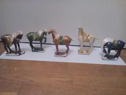 Kínai hárommázas porcelán lófigurák