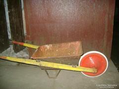 Retro fa-fém talicska - játék vagy dekoráció