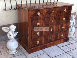 Antik bútor, Biedermeier komód felújított.