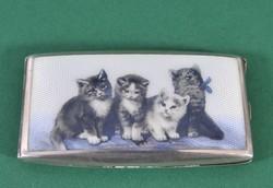 Gyönyörű zománcozott ezüst névjegykártyatartó, négy cicával díszítve