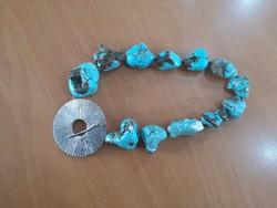 Különleges, egyedi, csodaszép designer türkiz nyaklánc ezüst dísszel