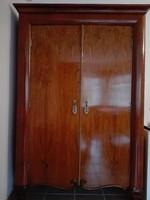 Eladó diófa szekrények