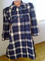 Csinos gyapjú női szövet kabát márkás spanyol ... 99f726ec33